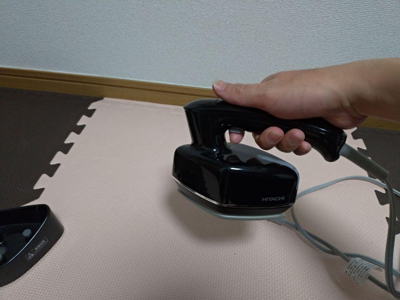 持ちやすく片手にすっぽり収まるサイズが主流のスチーマー