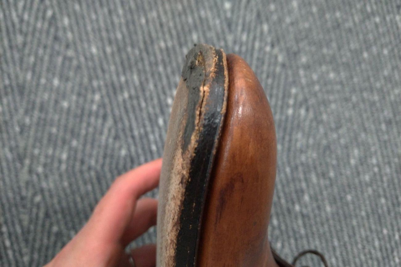 革靴リペア前(つま先)
